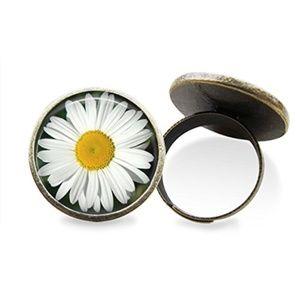White Daisy Ring
